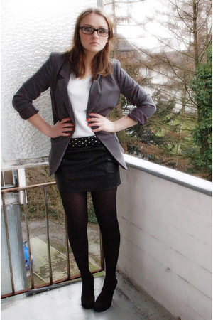gray H&M blazer - gray H&M shirt - black Tally Weijl skirt - black Gio Moda shoe