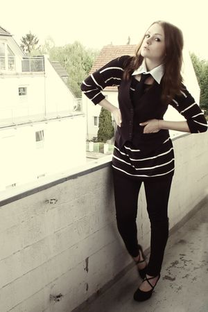 black H&amp;M top - black Miss Etam vest - black H&amp;M tie - black H&amp;M leggings - blac