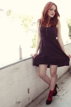 black H&M dress - pink H&M socks - black Gio Moda shoes