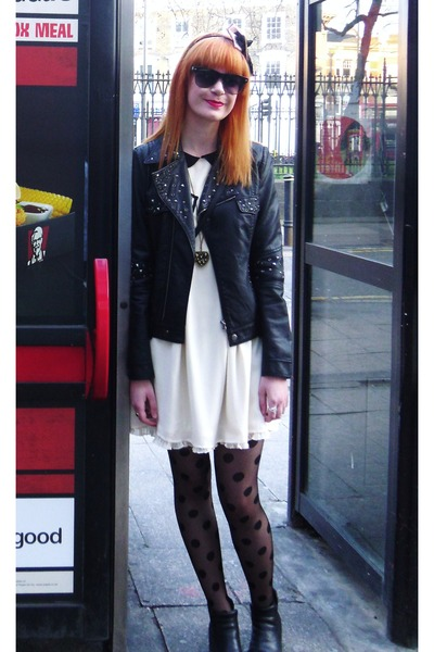 black chelsea vintage from Ebay boots - ivory Vero Moda dress