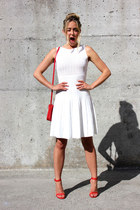 white bodycon bcbg max azria dress