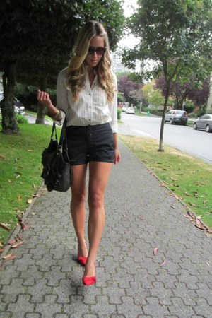 red suede Aldo heels - cream collared madewell shirt