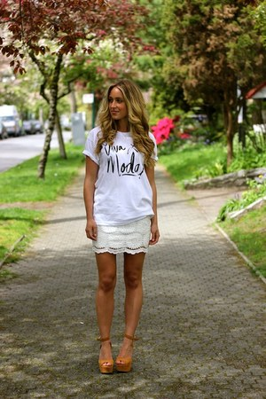 ivory viva la moda Sincerely Jules t-shirt