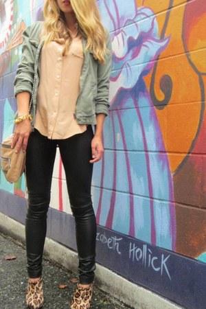 peach silk madewell blouse - camel leopard print sam edelman boots