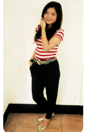 red Zara top - black pants - gold rubi shoes