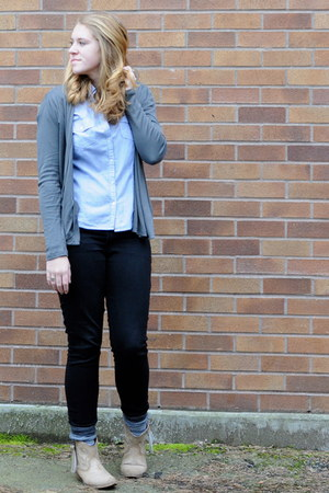 black skinny Old Navy jeans - light blue office Forever21 blouse