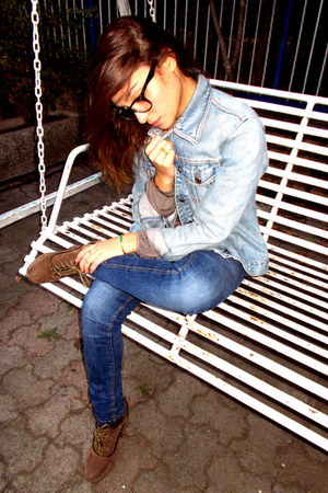 sky blue denim Bershka jacket - camel french Bata shoes