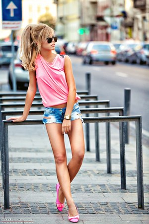 hot pink prewashed No1 flats - periwinkle short IQ jeans