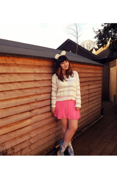 white Monki sweater - white H&M socks - bubble gum H&M skirt
