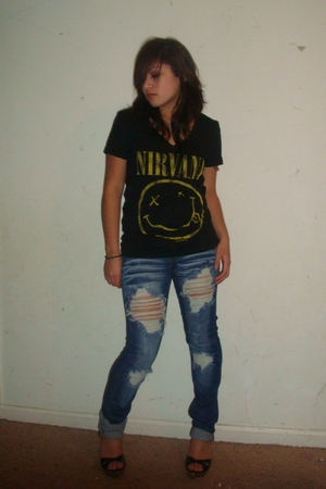 black Bebe shoes - blue Bebe jeans - black Forever 21 shirt