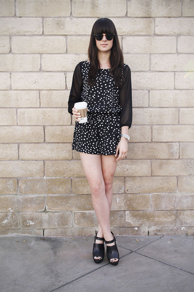 Black-polka-dot-romper-black-heels