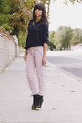 Light-pink-destroyed-jeans-black-wooden-wedge-wedges-navy-blouse