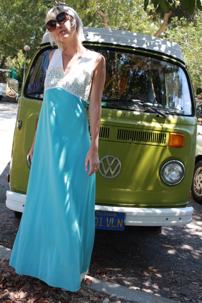 blue Lilli Diamond dress