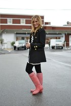 ruby red Hunter boots - black Forever 21 coat - black citizens of humanity jeans