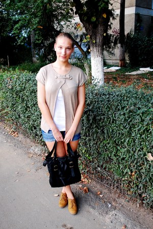 bronze new look wedges - black Stradivarius bag - blue Terranova shorts