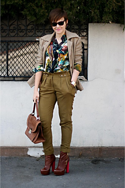 olive green Topshop pants - dark brown Topshop shoes - camel Celine blazer