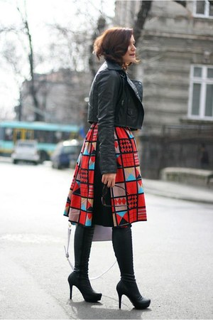 red printed vintage skirt - black leather asos jacket - light purple OASAP bag