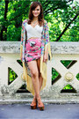 Yellow-choies-jacket-tawny-platform-jessica-simpson-sandals