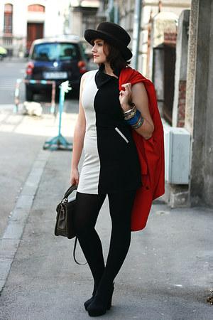 black vintage dress - black Forever 21 shoes - Vintage Pierre Cardin coat
