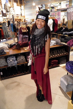 beanie Aint No Wifey hat - thrifted dress - Urban Outfitters scarf