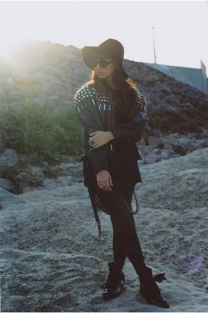 leather studded vintage jacket - patent leather Dr Martens boots