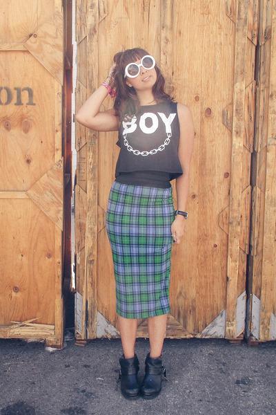 midi plaid asos skirt - ankle boots LuLus boots - Quay eyewear sunglasses