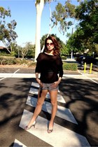 Zara sweater - BCBG shorts - Tom Ford sunglasses - Nine West heels