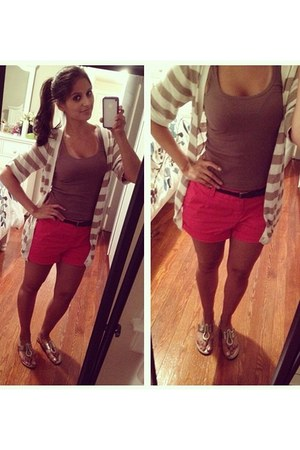 hot pink belted Gap shorts - tan striped H&M top - gold confy Steve Madden flats