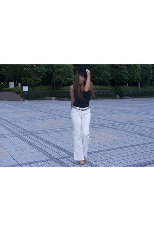 gold vintage belt - black Uniqlo hat - black Zara top - gold Vintage Opal ring