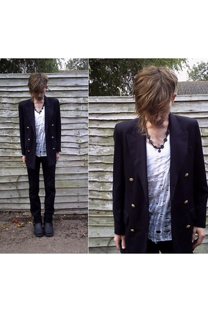 vintage blazer - DIY t-shirt - H&amp;M pants - vintage boots