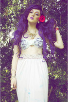white Megan McMinn top - light purple Lime Crime accessories