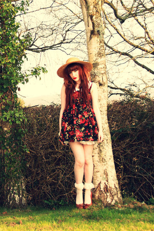 floral handmade dress - Chicwish dress - straw vintage hat - frill DIY socks