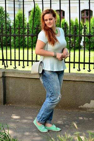 navy boyfriend jeans H&M jeans - periwinkle H&M bag - aquamarine H&M sneakers