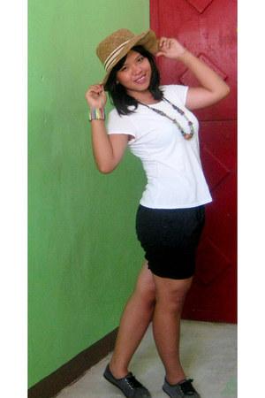 white shirt - black shorts - navy flats