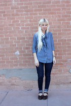 blue Levis jeans - blue Gap blouse - dark brown Ugglebo Clogs clogs