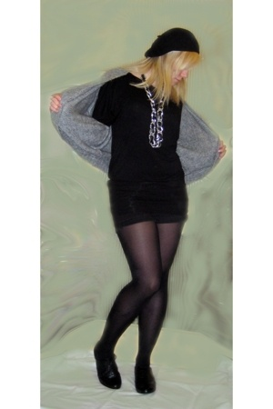 vintage belt - Topshop hat - Newlook top - thrifted shorts - Primark sweater - T