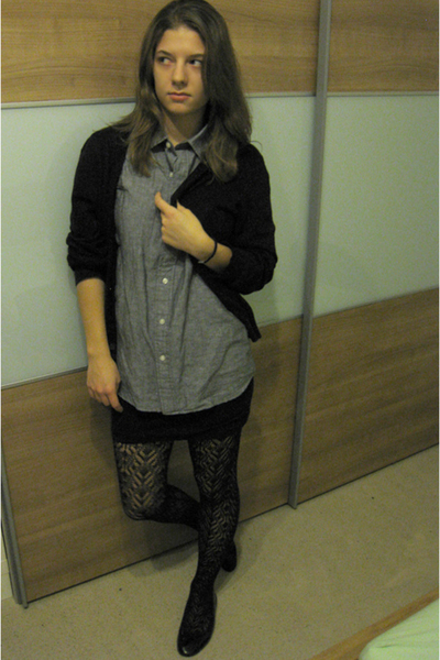 Uniqlo - Uniqlo shirt - H&amp;M skirt - tights