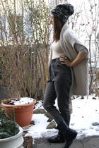 gray Zara pants - black vagabond boots - beige H&M vest - Uniqlo t-shirt - H&M h