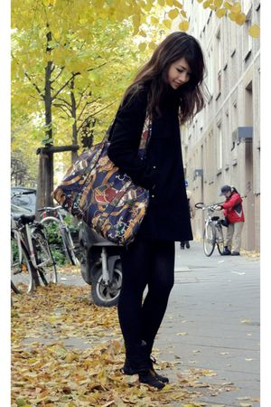 black Mango coat - red vintage bag