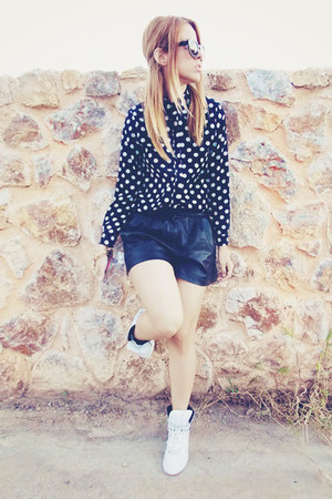 AHAISHOPPING shirt - Zara shorts - Zara sneakers
