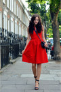 Red-preen-dress-black-flapcalf-skin-chanel-bag