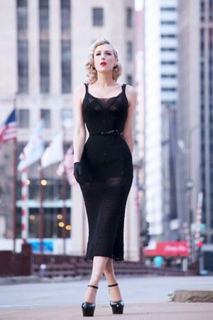 black knit souchi dress - black rose OASAP earrings