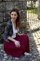 chicnova necklace - chicnova vest - redmaxiskirt chicnova skirt