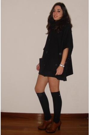 Zara coat - Comptoir des Cotonniers dress - Tex by Max Azria shoes - Lacoste shi