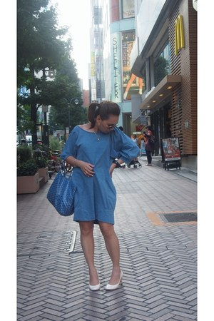 blue goyard bag - sky blue jeanasis dress - white esperanza pumps