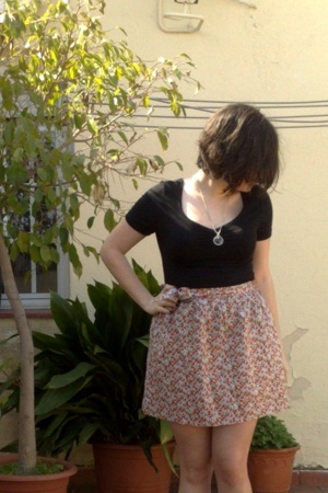 H&M t-shirt - handmade skirt
