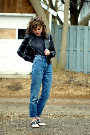 blue vintage Guess jeans