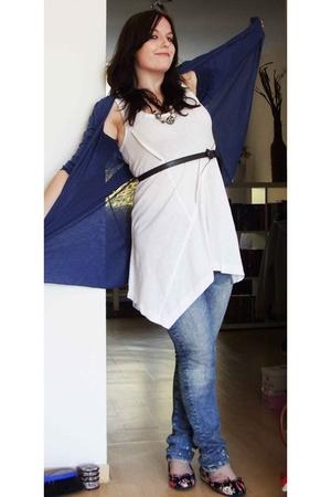 Vero Moda top - H&M jeans - Accessorize belt - Accessorize necklace - Ebay shoes