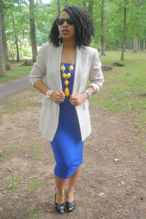 blue Secondhand skirt - beige J Crew blazer - black Steve Madden shoes