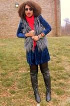 navy crushed velvet vintage dress - heather gray faux fur XXI jacket